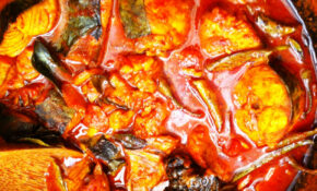 Kingfish Curry With Gambooge In Clay Pot – Ney Meen Chatty ..