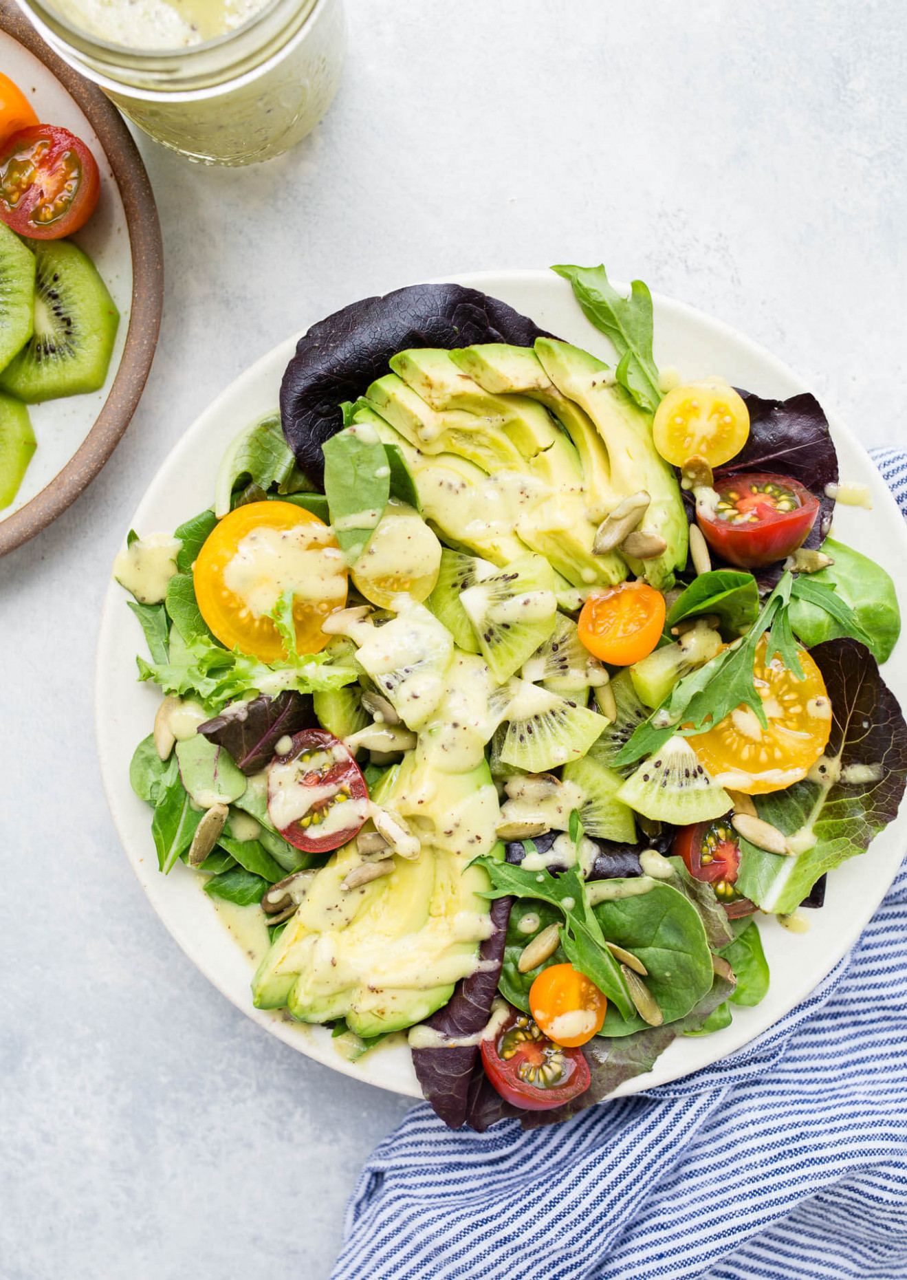 Kiwi Avocado And Tomato Salad With Kiwi Dressing - Recipes Vegetarian Avocado