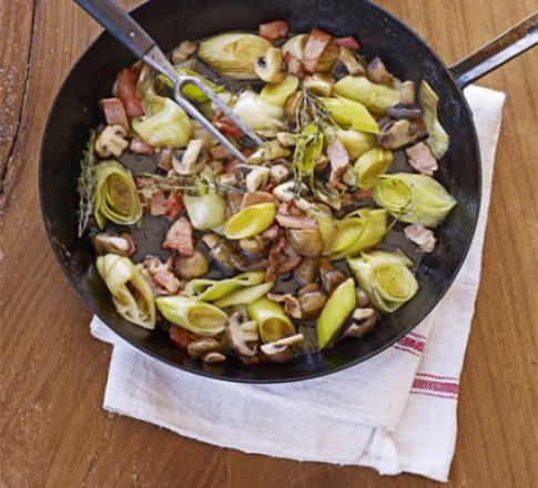 Leeks With Bacon & Mushrooms Recipe | BBC Good Food - Recipes Pasta Dinner