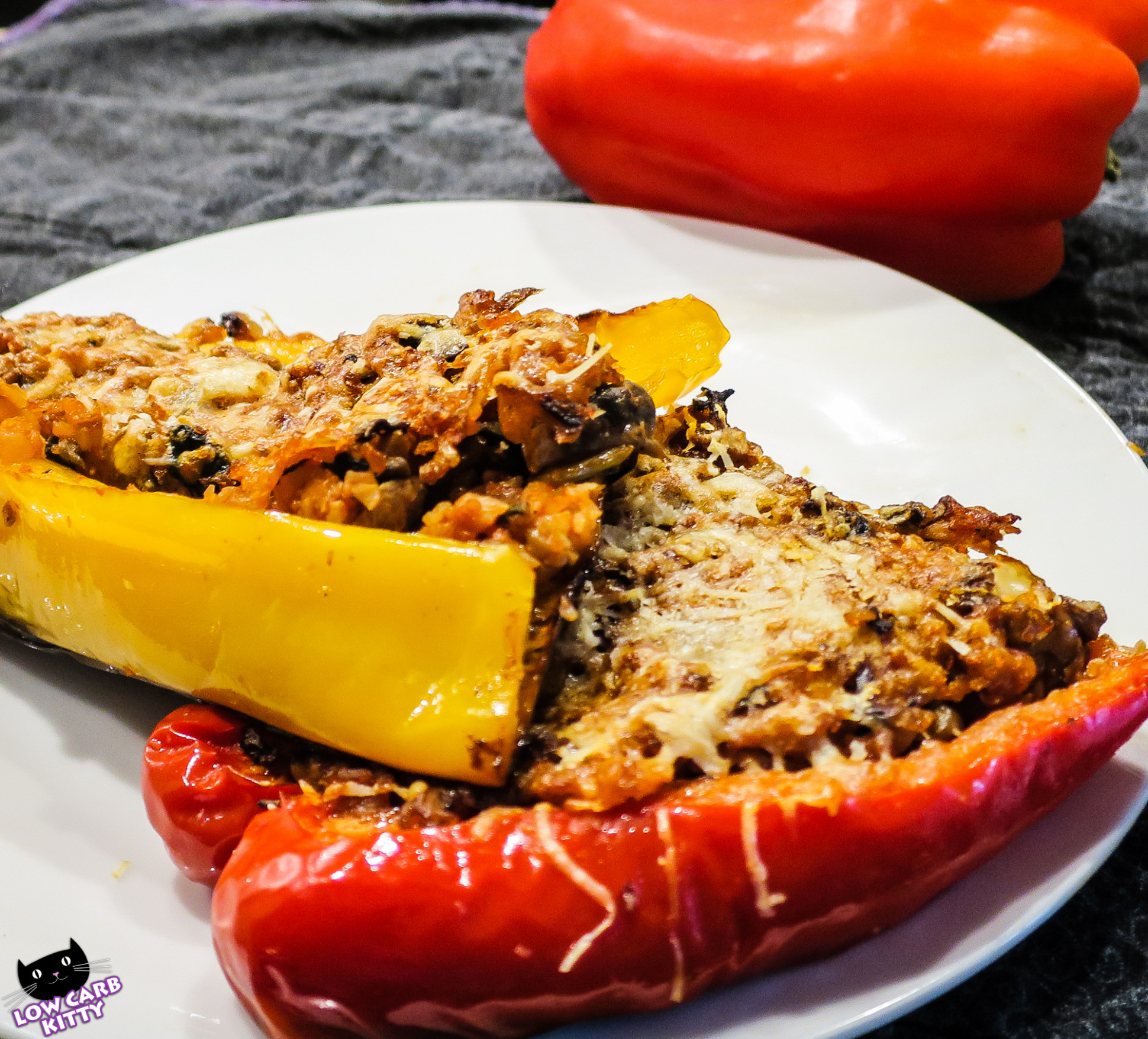 Low carb vegetarian stuffed peppers - low carb and vegetarian recipes