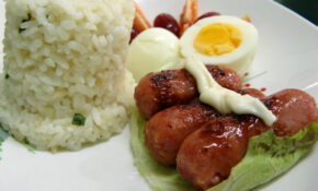 Lutong Bahay – Chorizo With Hard Boiled Egg, Tomatoes, Grapes And Garlic Fried Rice – Recipes Pinoy Food