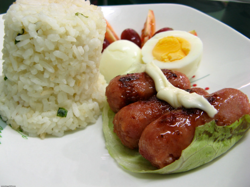 Lutong Bahay - Chorizo with hard boiled egg, tomatoes, grapes and garlic fried rice - recipes pinoy food