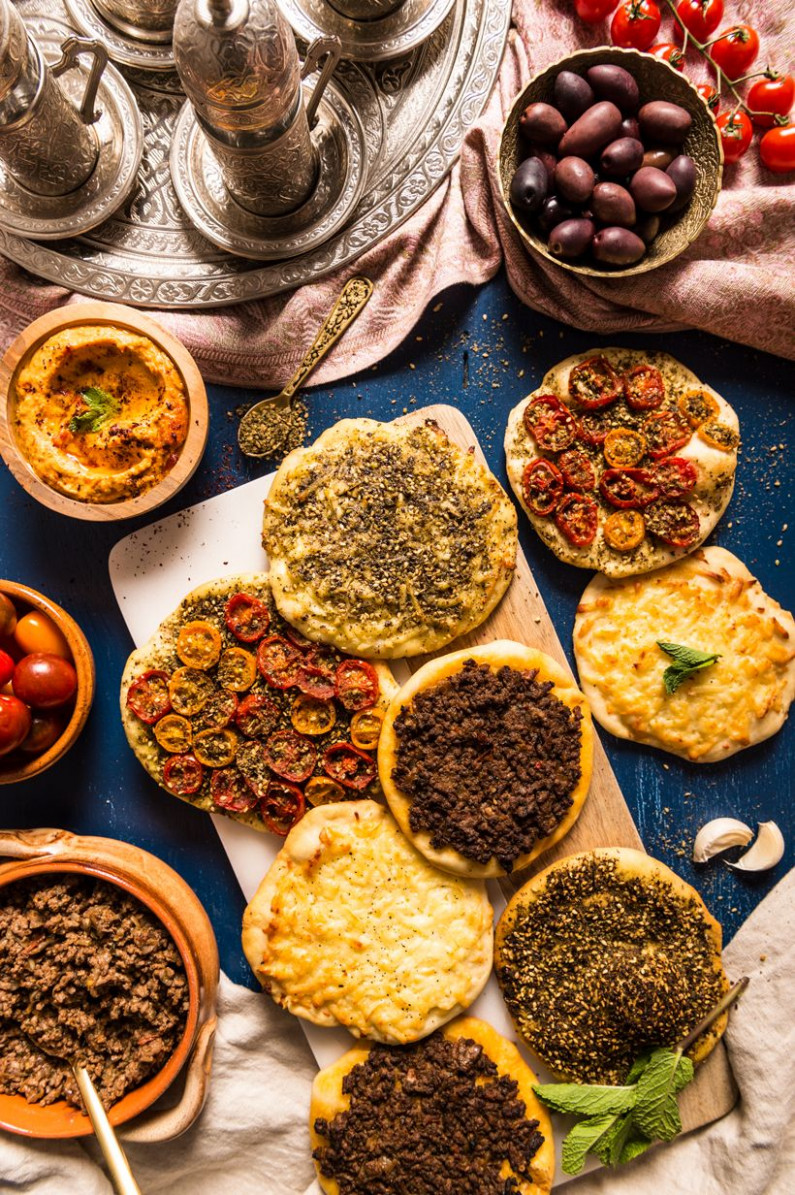 Manakish (Middle Eastern Pizzas) - recipes middle eastern food