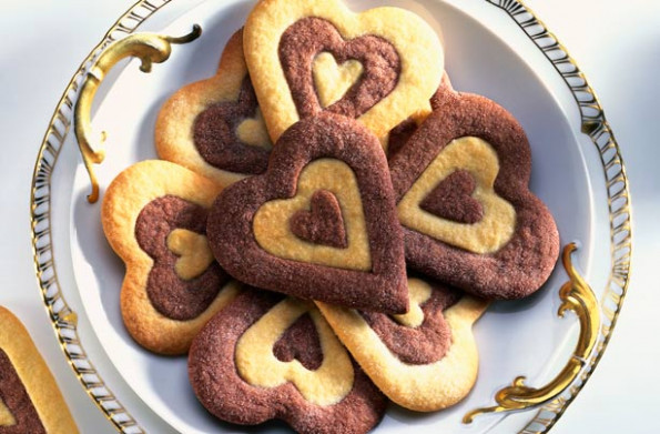 Mary Berry's two-tone heart biscuits recipe - goodtoknow - slimming world recipes dinner