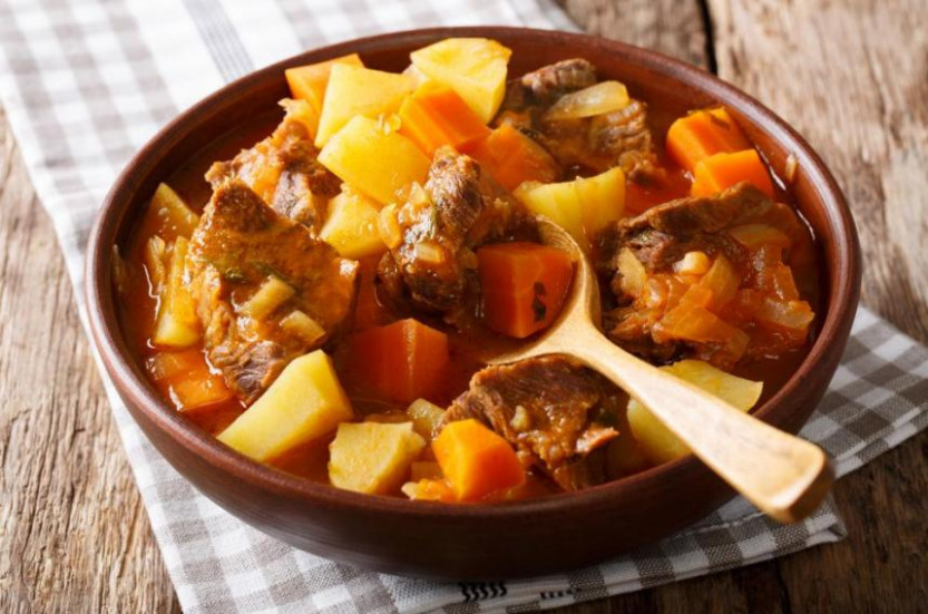 Meat Stovies | Nairns Oatcakes - Food Recipe Quiz
