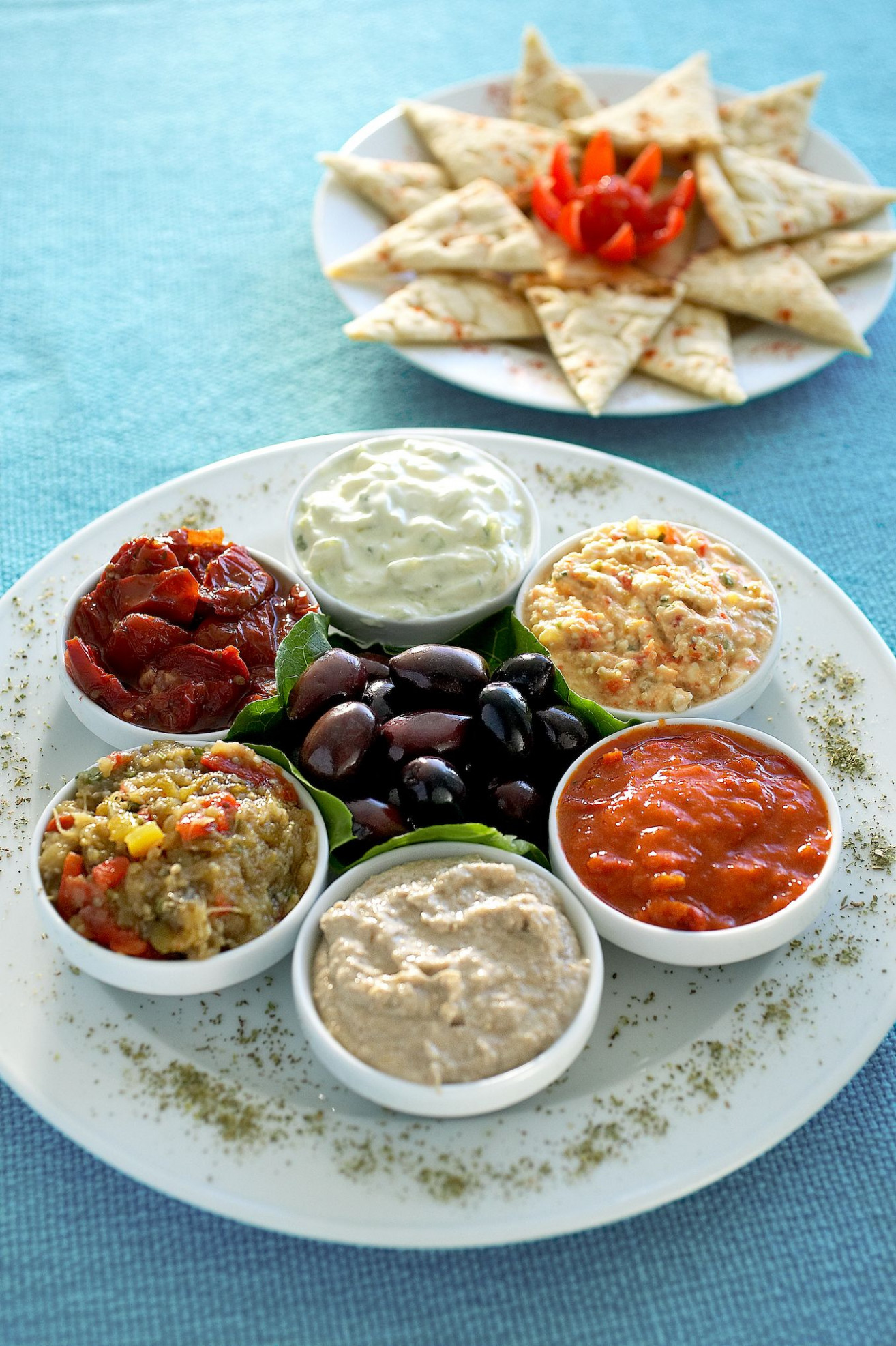 Mediterranean Meze, the best selection of dips to enjoy ..