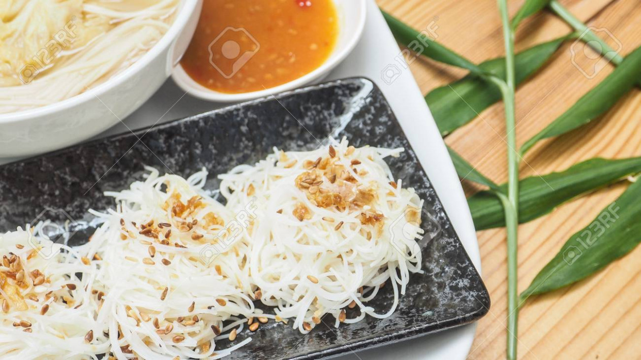 Menu create new idea of Vegetarian food is rice noodle stream.