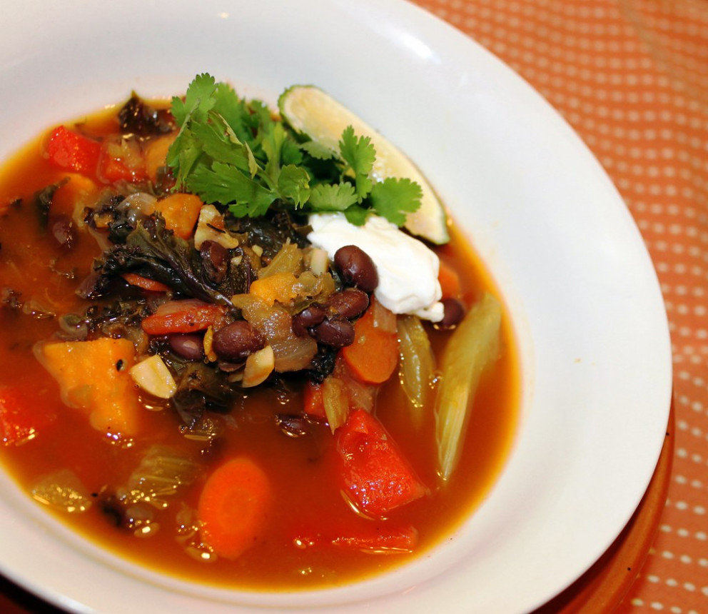 Mexican Black Bean and Kale Soup - recipes for vegetarian curry