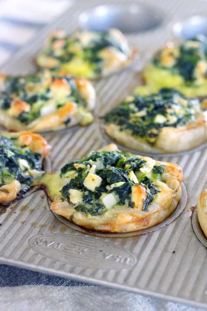 Mini Spinach Feta Pies (Spanakopita) - Bowl of Delicious - food recipes quiche