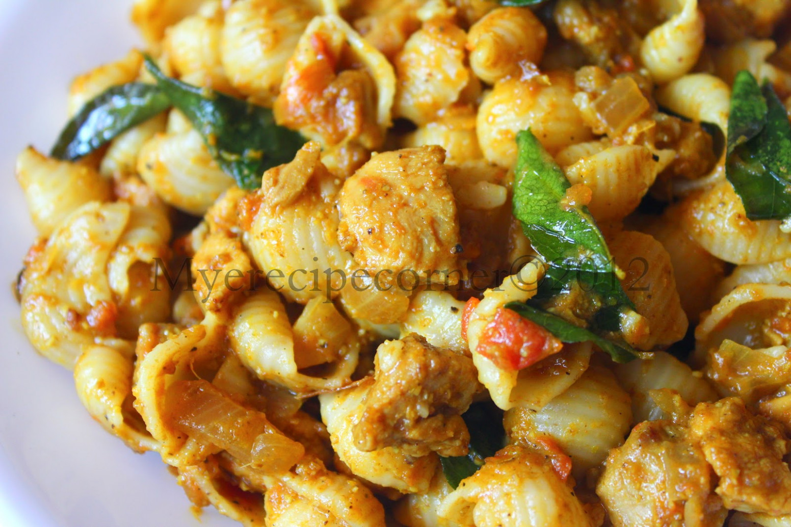 Mye's Kitchen: Indian Style Chicken Pasta Recipe - Chicken Recipes Hindi