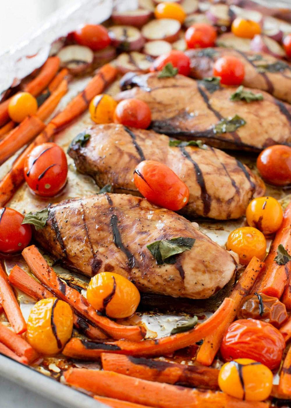 One Pan Balsamic Chicken and Veggies - I Heart Nap Time - delicious recipes dinner