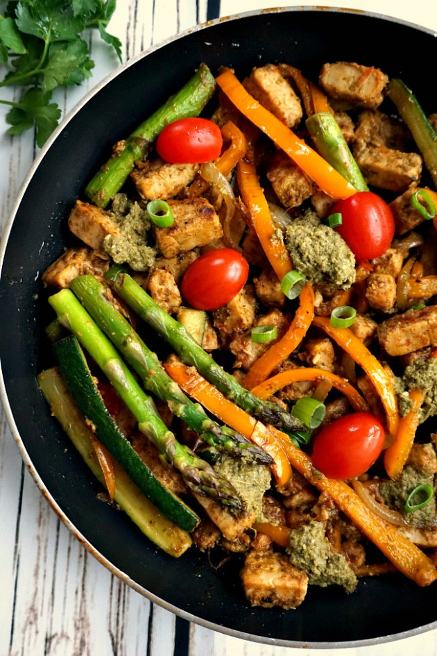 One-pan pesto quorn meat free pieces with veggieS - recipes quorn chicken pieces