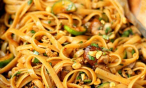 One Pot Spicy Thai Noodles - Domestic Superhero