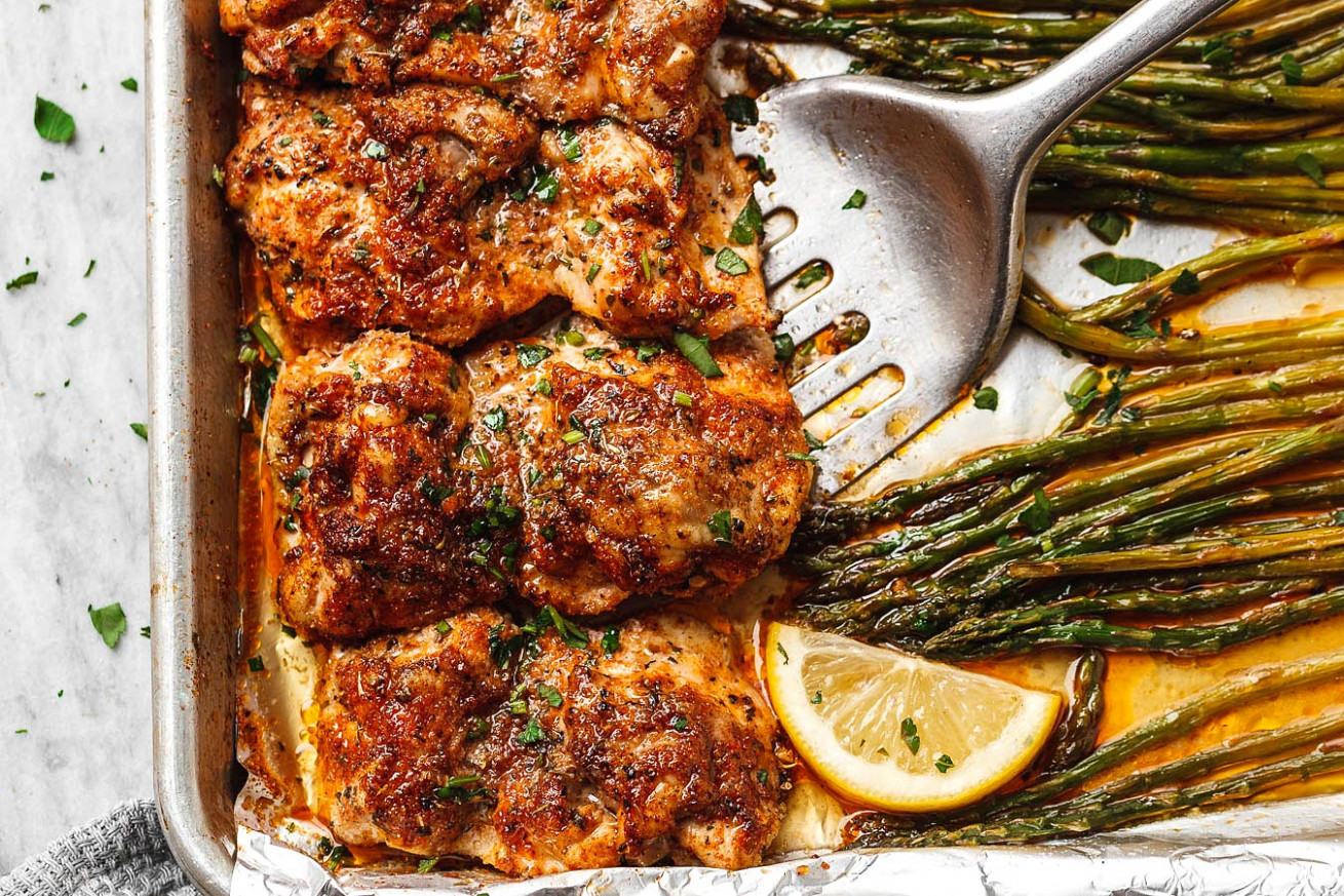 Oven Baked Chicken Recipe with Asparagus — Eatwell101 - recipes on baked chicken