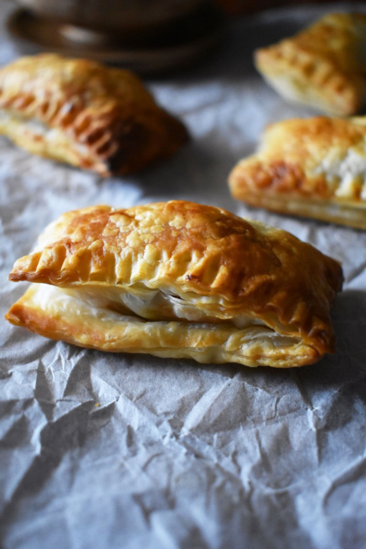 Oven Baked Vegan Curry Puffs - Scruff & Steph - recipes puff pastry vegetarian