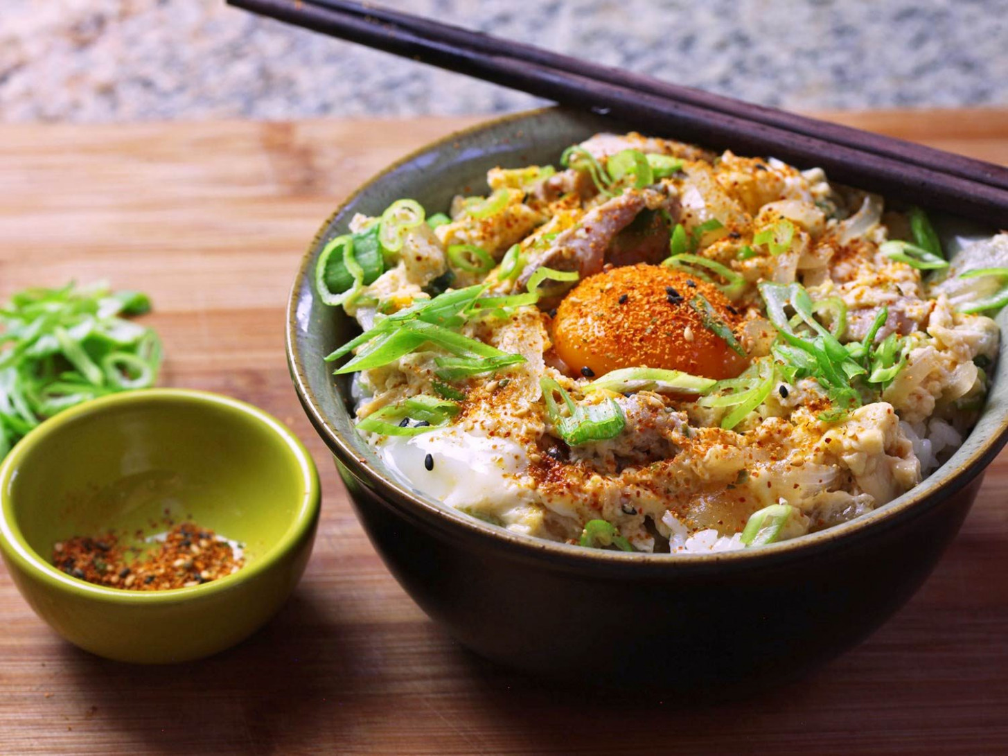 Oyakodon (Japanese Chicken and Egg Rice Bowl) Recipe - japanese food recipes with pictures