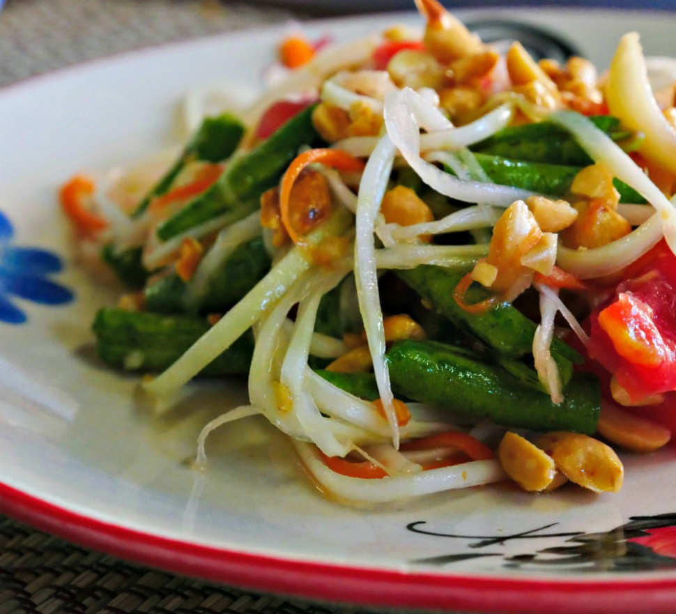 Papaya Salad (Som Tum) - Thai Food Special | Eat Yourself ..