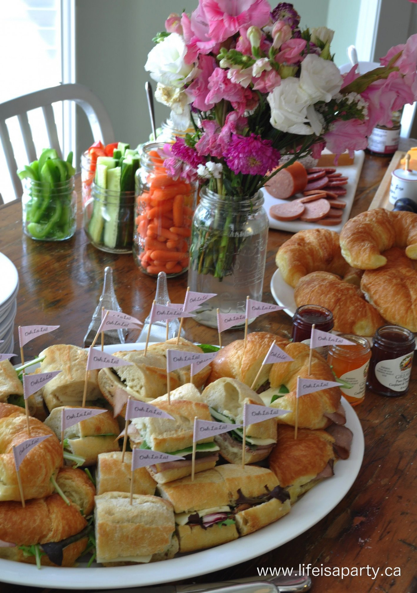 Paris Party Food -A French Themed Menu Great ideas of what ..