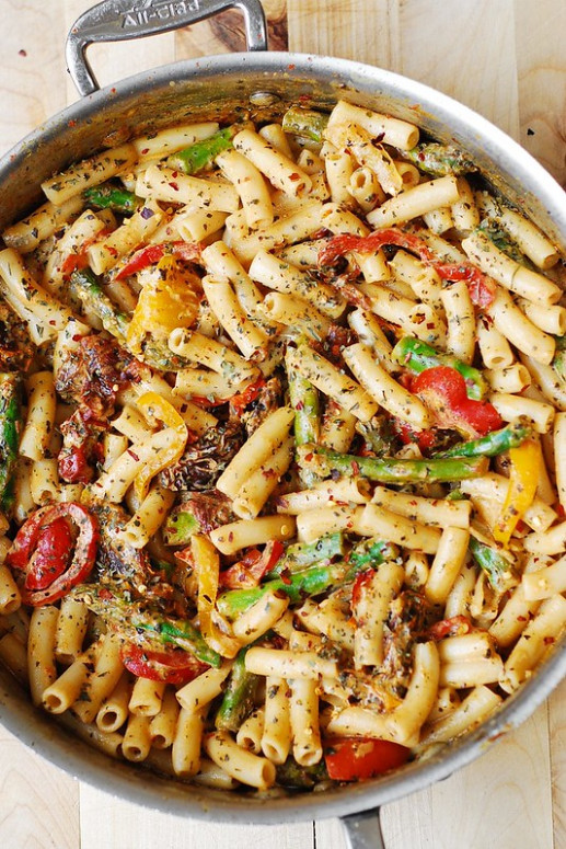 Pasta, Bell Peppers, and Asparagus in a Creamy Sun-Dried ..