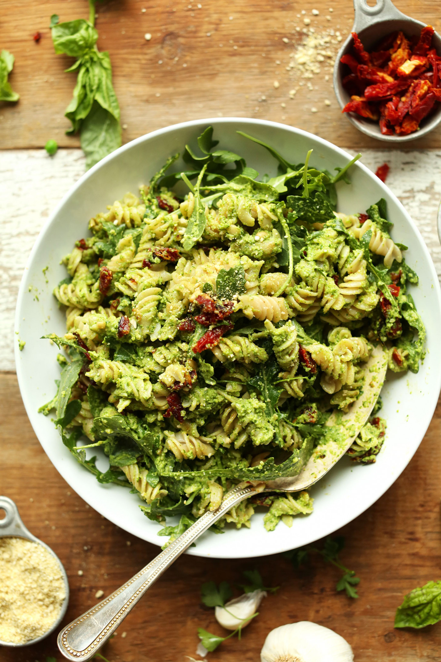 Pea Pesto Pasta with Sun-Dried Tomatoes & Arugula (Vegan + GF) - healthy recipes pasta