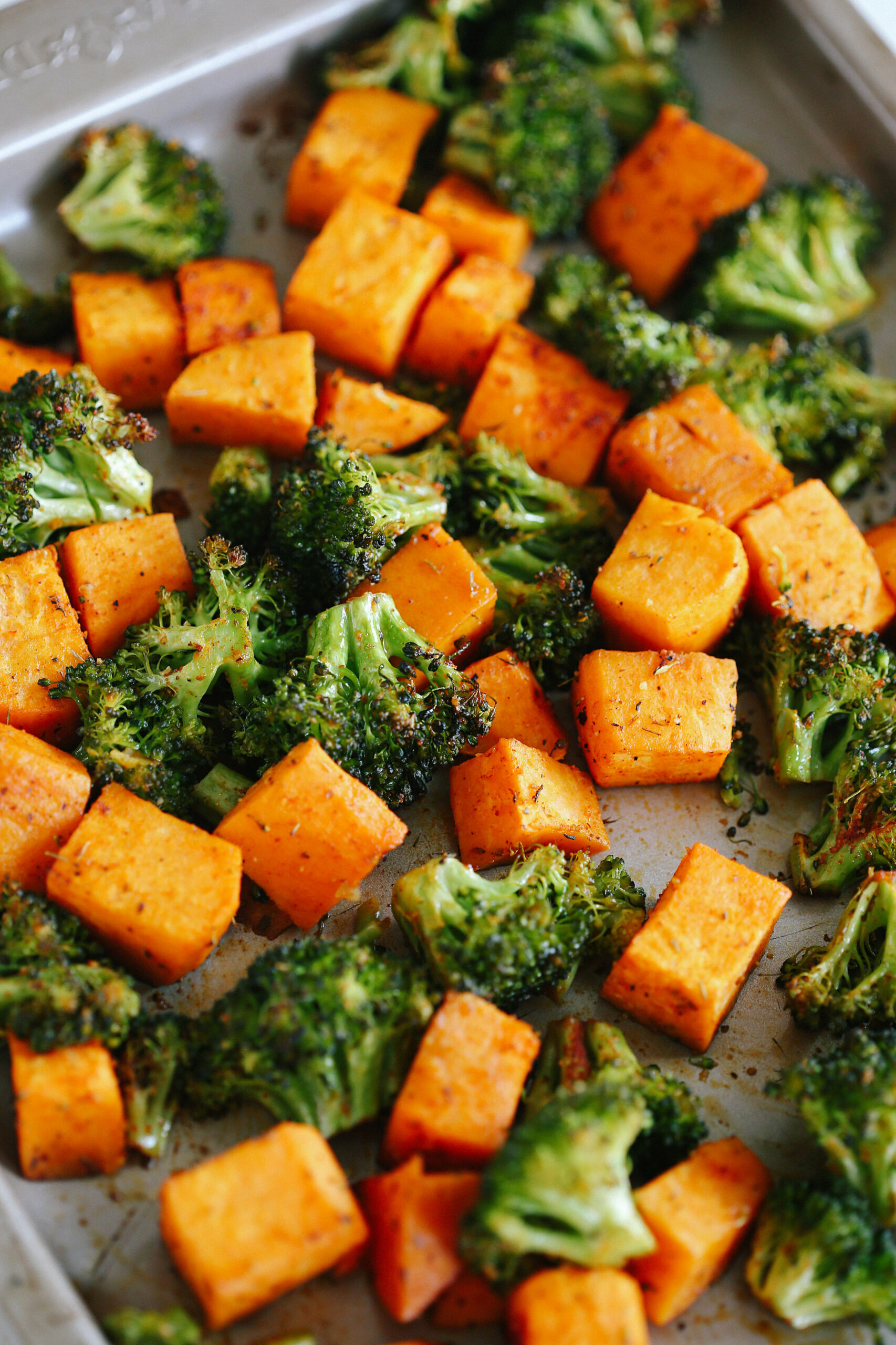 Perfectly Roasted Broccoli & Sweet Potatoes - vegetarian recipes healthy dinner