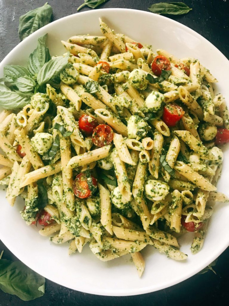 Pesto Caprese Penne Pasta - pasta recipes easy vegetarian