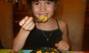 Picky Eater Eating Kidfresh Mac And Cheese By  Mom To 2 Posh Lil Divas – Healthy Recipes Picky Eaters