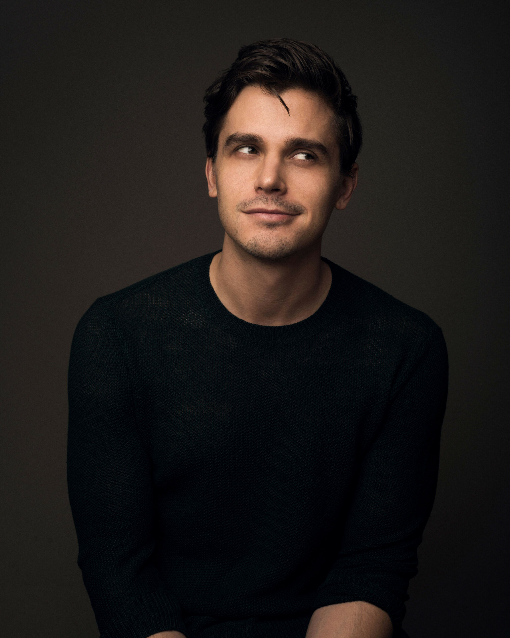 Queer Eye: Antoni Porowski Talks Cookbook 'Antoni In The ..