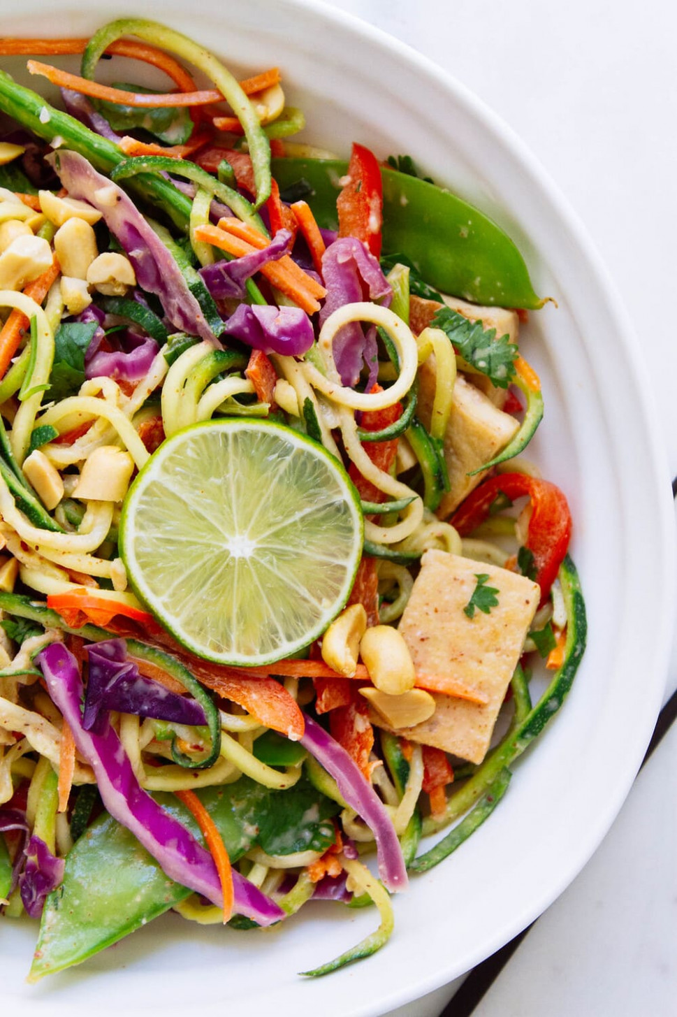 RAINBOW ASIAN ZUCCHINI NOODLE BOWL + CRISPY TOFU - dinner recipes with zucchini noodles