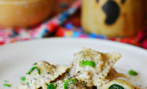 Ravioli With Goat Cheese And Spinach Filling In Parmesan Cream Sauce – Recipe Vegetarian Ravioli