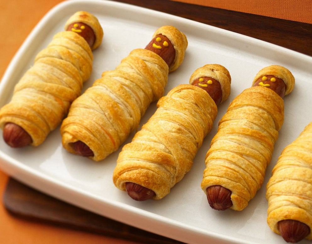 Recipe: Crescent Mummy Dogs - recipes dinner kid friendly