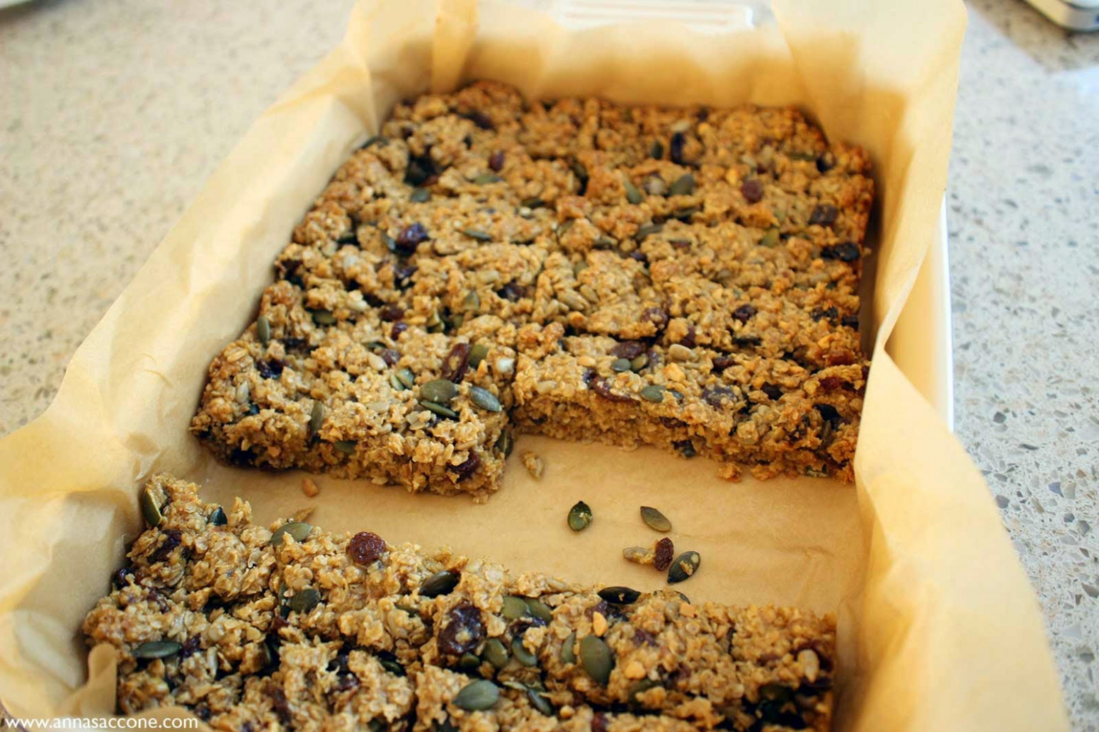 Recipe: Healthy Granola Bars! | Anna Saccone Joly - recipes granola bars healthy