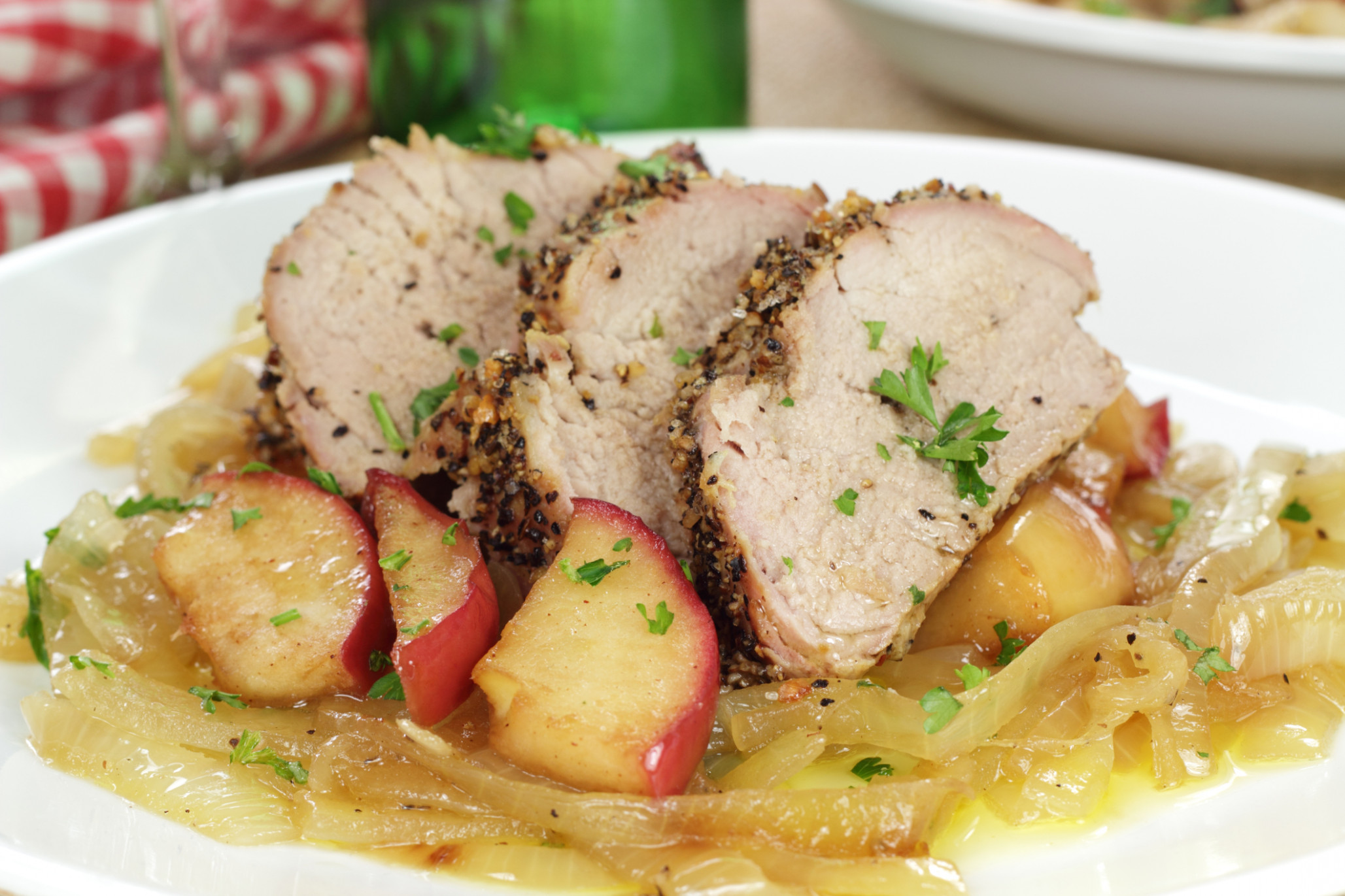 Recipe: Pork Tenderloin With Apples and Onions – Health ..