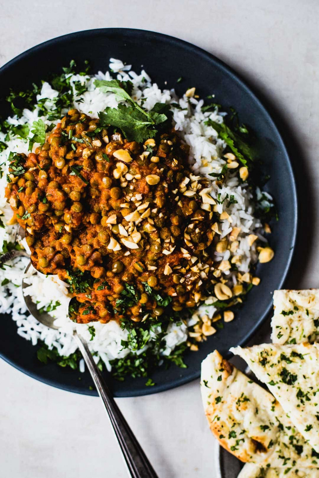 Red Curry Lentils Recipe - Pinch of Yum - recipe vegetarian red curry