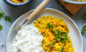 Red lentil curry with coconut milk