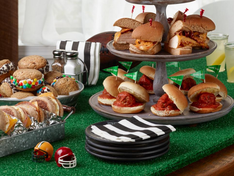 Ree Drummond's Football Sandwich Party at the Ranch : Food ..