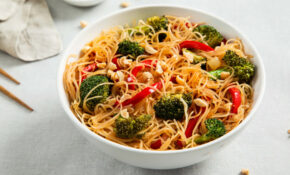 Rice Noodle Bowl With Broccoli And Bell Peppers Recipe ..