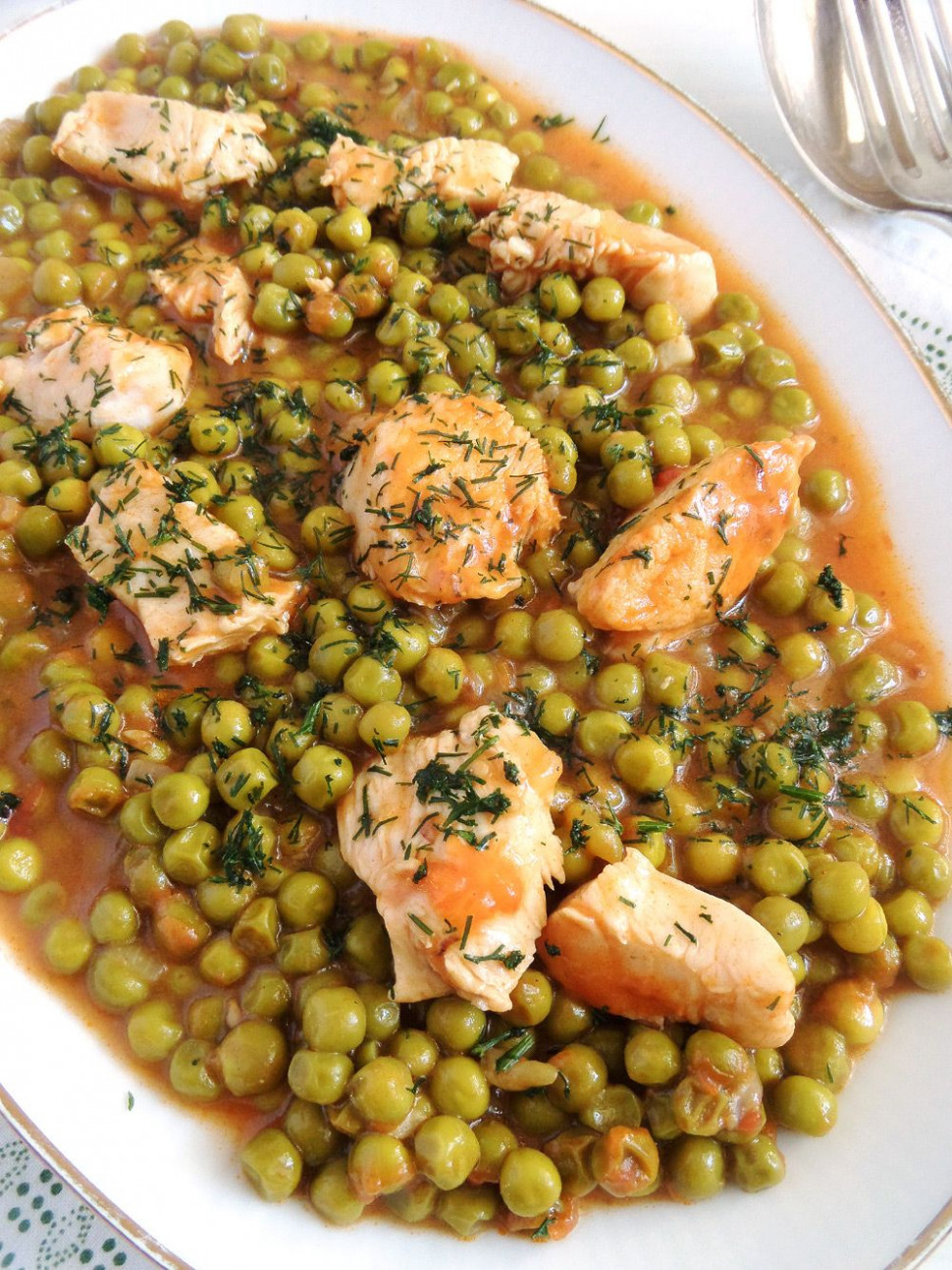 Romanian Pea and Chicken Stew - romanian food recipes