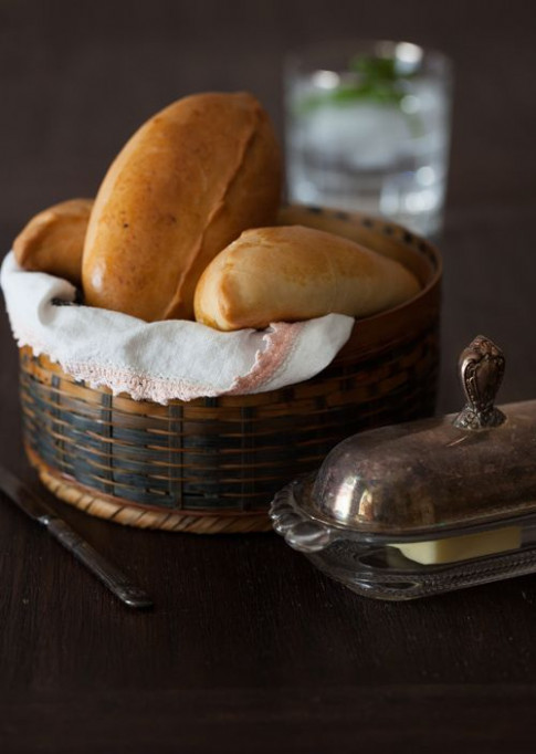 "Russian Monday: ""Pirozhki"" - Baked Stuffed Pies #Russian .."