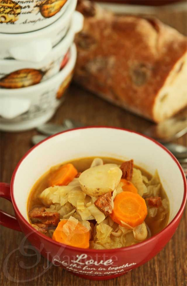 Rustic Cabbage Vegetable Soup | Recipe | Nom Nom Nom ..