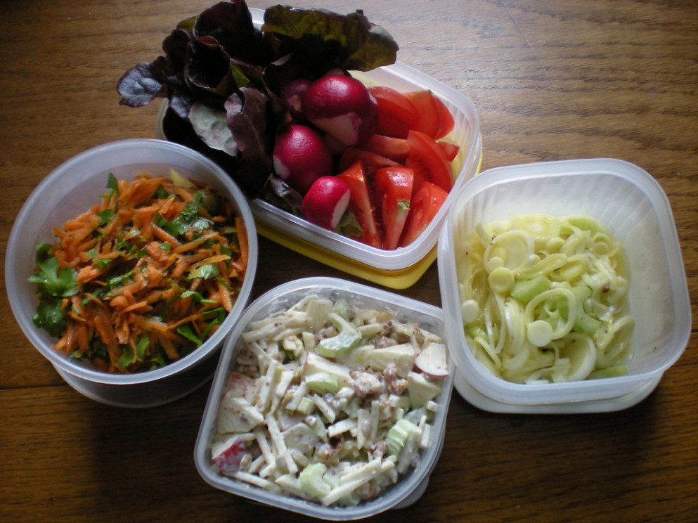 Salads for Sunday picnic from veg box delivery - recipes vegetarian chilli