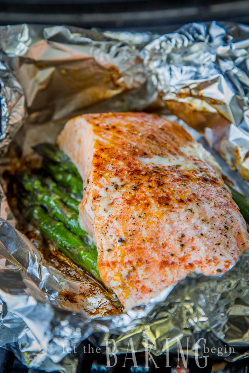 Salmon Asparagus Foil Packets - dinner recipes on the grill
