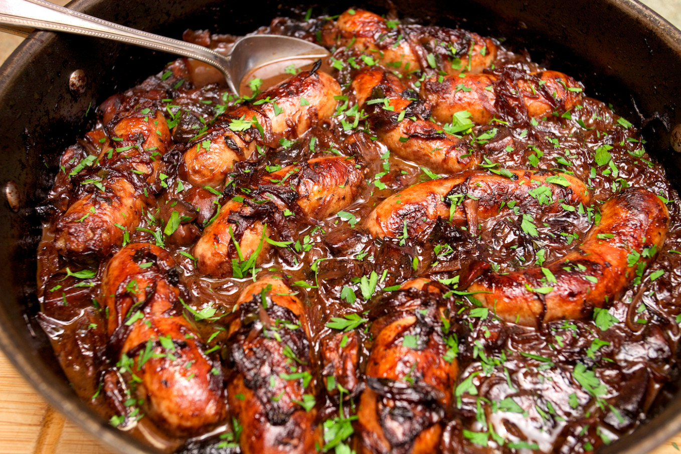 Sausage & Caramelised Red Onion Hotpot – SCRIBBLESNZ ..