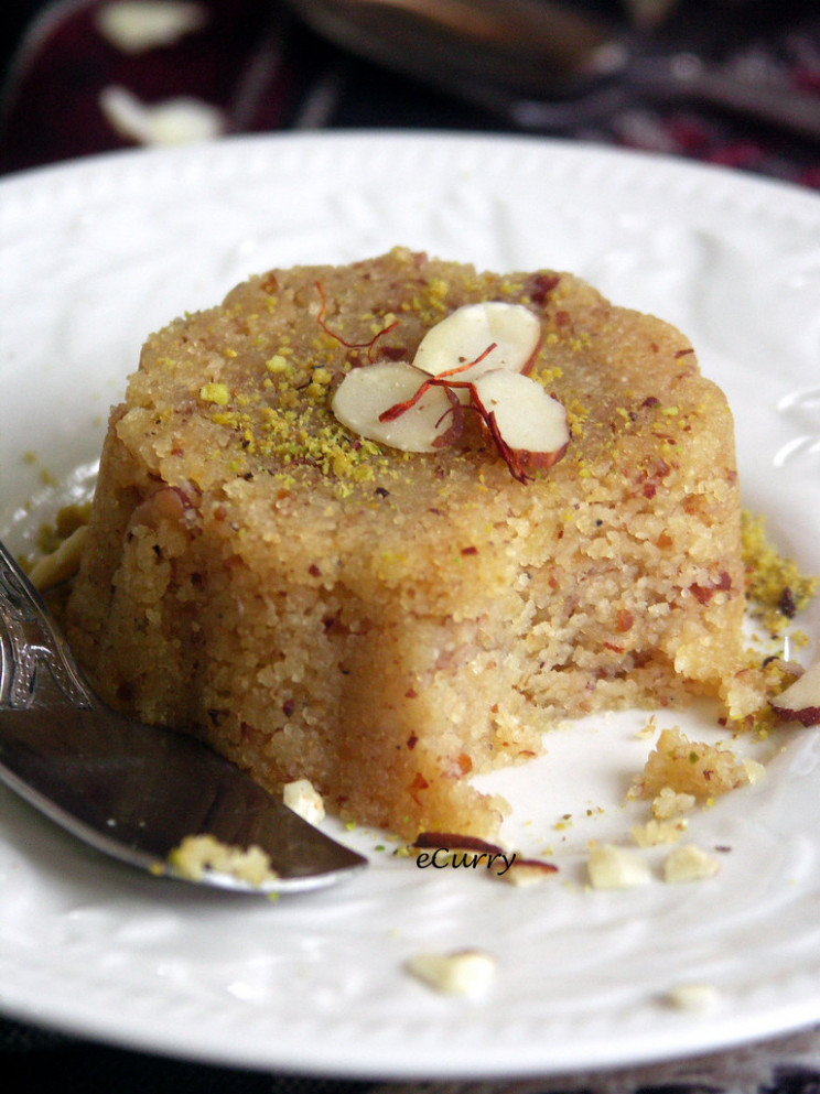 Semolina And Almond Halwa - Easy Indian Recipes Vegetarian