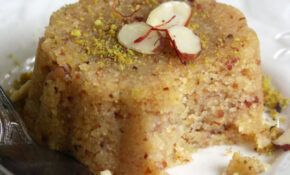 Semolina And Almond Halwa – North Indian Recipes Vegetarian