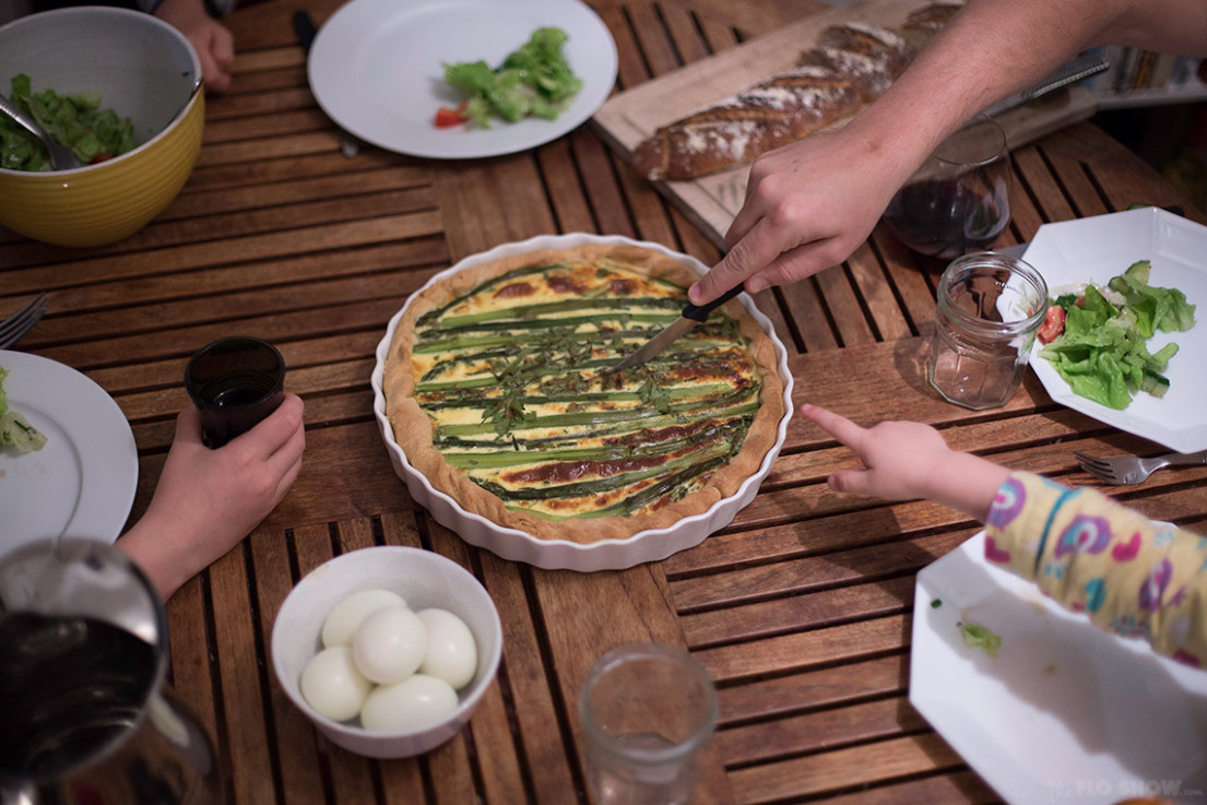 Simple French Asparagus Quiche recipe ⋆ The Flo Show