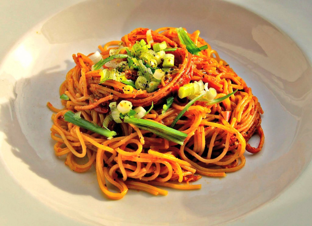 Simple Spegetti with Chilli Sauce - food recipes on instagram