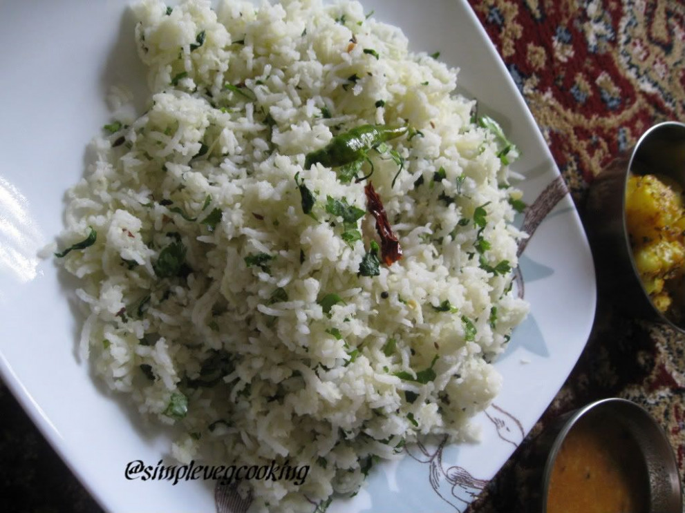 Simple Vegetarian Recipes: Coconut Rice With Fenugreek Leaves