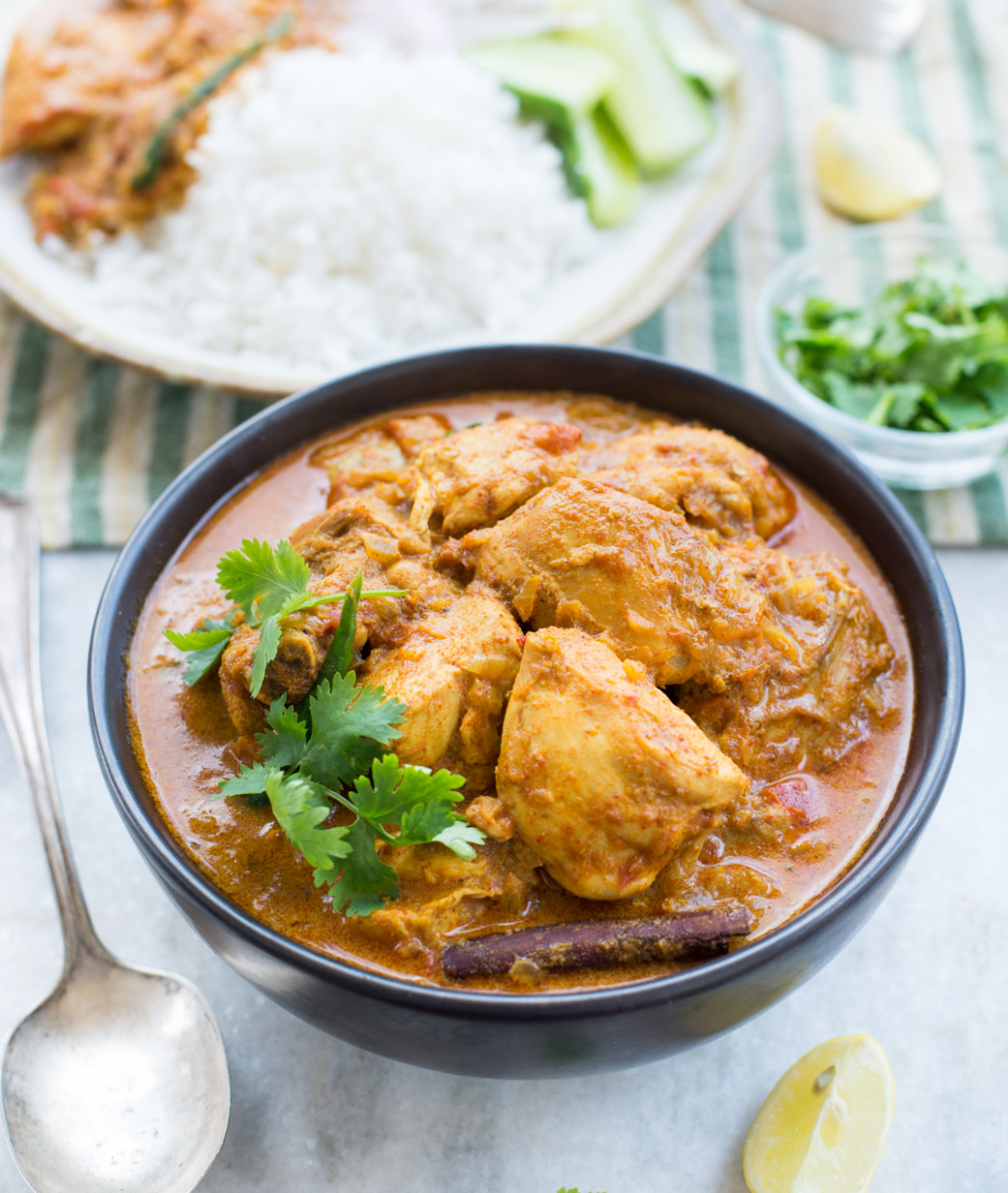 SLOW COOKER COCONUT CHICKEN CURRY - chicken recipes with coconut milk