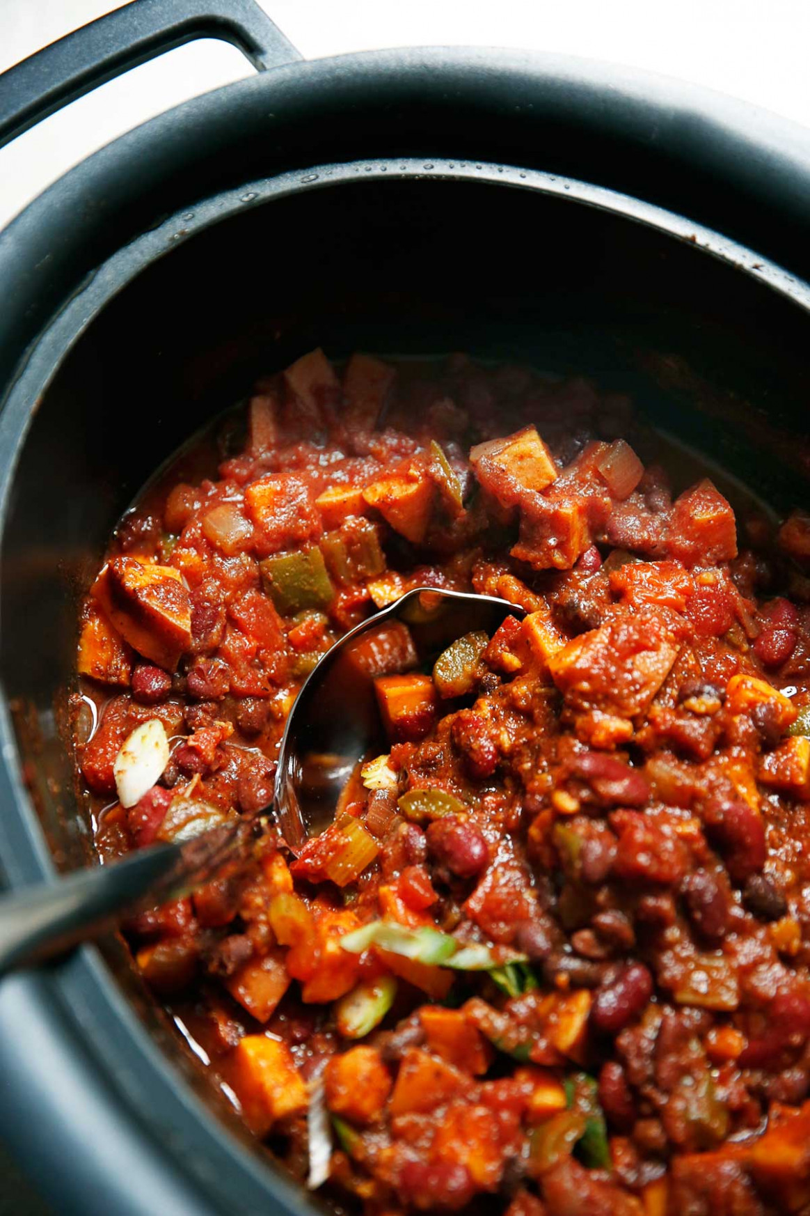Slow Cooker Sweet Potato Chili - recipes slow cooker vegetarian